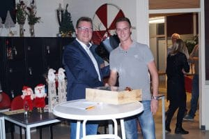 VV Hardinxveld Sponsor WSB Solutions bloemen