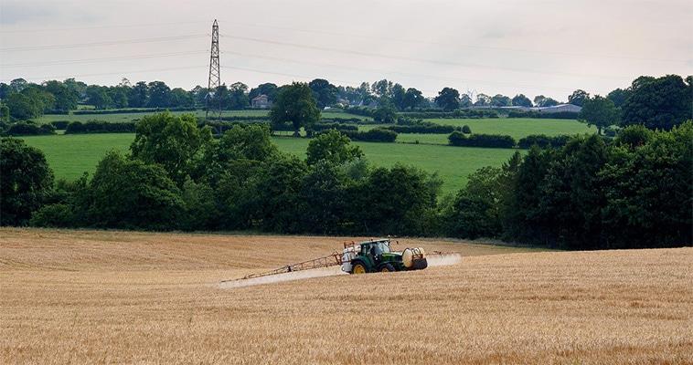 Gewasbescherming tractor spuiten