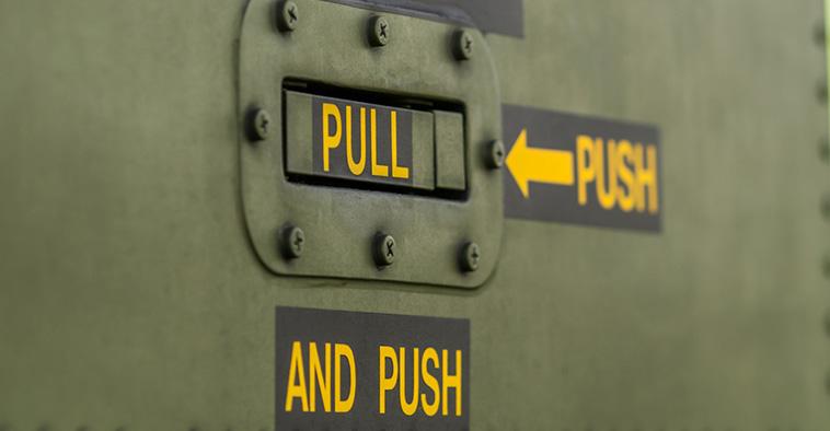 Pull en push