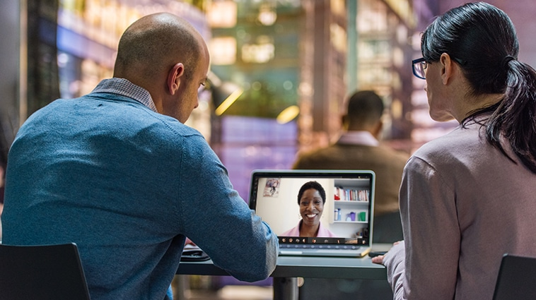 Hybride vorm videovergaderen in Teams